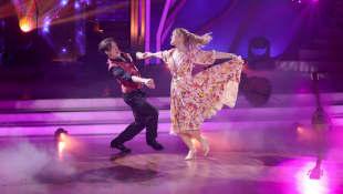 """Let's Dance"": Ilse DeLange, Evgeny Vinokurov"