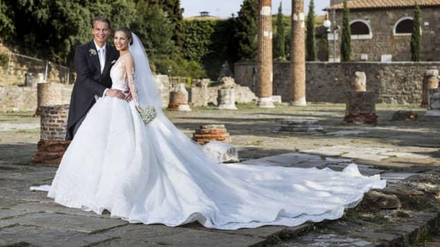 Victoria Swarovski Hochzeitskleid