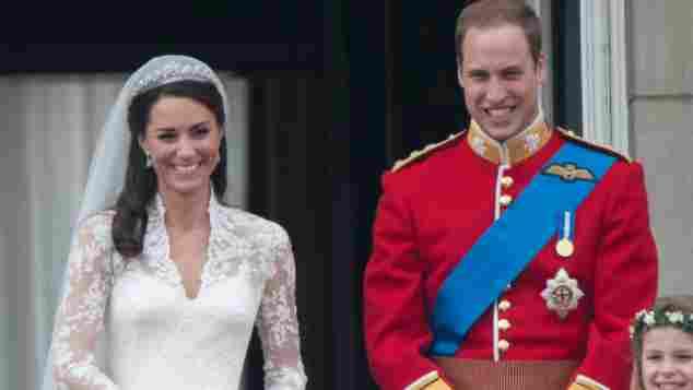 Herzogin Catherine und Prinz William mit ihren Blumenkindern an ihrer Hochzeit