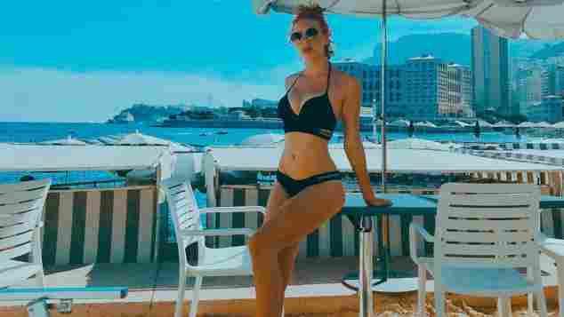 Anna Ermakova postet Bikini-Schnappschüsse aus dem Urlaub