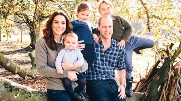 Herzogin Kate, Prinz Louis, Prinzessin Charlotte, Prinz William und Prinz George