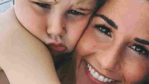 Sarah Lombardi und ihr Sohn Alessio sind ein Herz und eine Seele