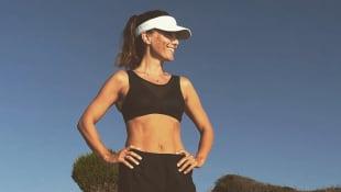 Nazan Eckes zeigt ihre tollen Bauchmuskeln