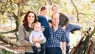 Weihnachtskarte der Royals: Herzogin Kate, Prinz Louis, Prinzessin Charlotte, Prinz William und Prinz George