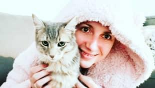 Anna Heiser und Katze