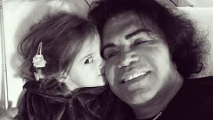 Costa Cordalis, hier mit seiner Enkelin Sophia