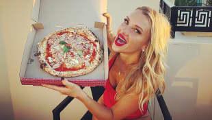 Evelyn Burdecki Pizza