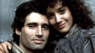Michael Nouri und Jennifer Beals