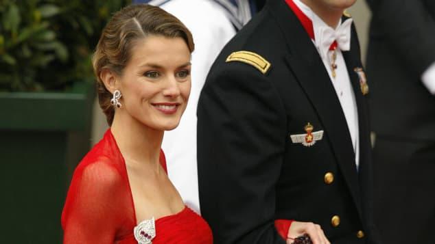 Auf hochzeit kleid rotes Schweden Hochzeit