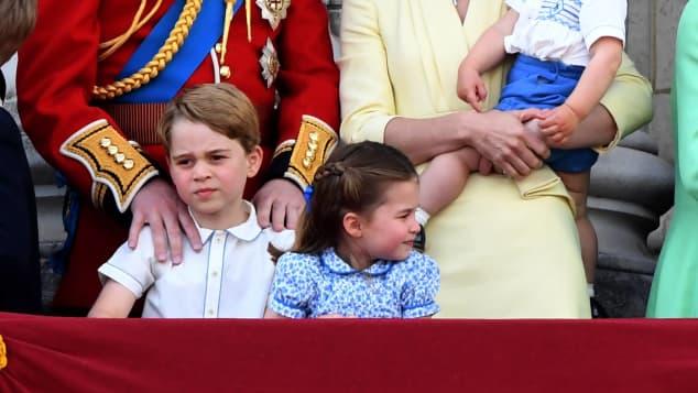 Prinz Louis mit britischer Königsfamilie