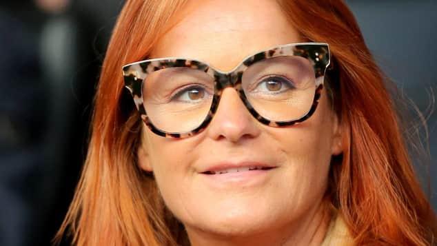 Andrea Berg ist mit einer riesen Brille unterwegs