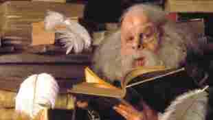 """Warwick Davis als """"Professor Flitwick"""" """"Harry Potter und der Stein der Weisen"""""""