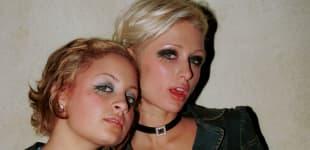 Nicole Richie und Paris Hilton im freizügigen Partylook
