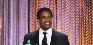 """Danzel Washington bekam den SAG Award als Bester männlicher Hauptdarsteller für """"Fences"""""""