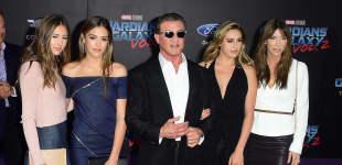 Sylvster Stallone mit seiner Frau und seinen Töchtern Scarlet, Sistine und Sophia