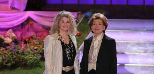 Beatrice Egli und Lys Assia 2007 in der ARD-Musikshow vom MDR Herbstfest der Volksmusik