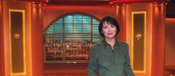 "Angelika Kallwass im Jahr 2002 bei ""Zwei bei Kallwass"""