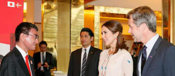 japanischer Außenminister Taro Kono Prinzessin Mary von Dänemark Prinz Frederik von Dänemark