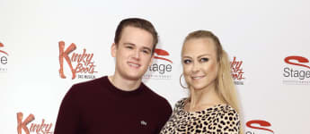 """Jenny Elvers und Sohn Paul Jolig bei der Premiere des Musicals """"Kinky Boots"""" in Hamburg"""