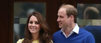 Erste Fotos: Kate Middleton und Prinz William zeigen ihre Tochter vor dem St. Mary's Hospital