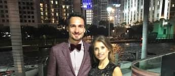 Mats und Cathy Hummels wünschen allen ein Fohes neues Jahr