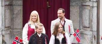 So traditionell kleiden sich die norwegischen Royals am Nationalfeiertag