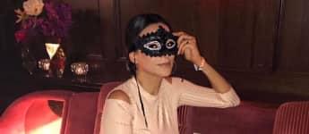 """Verona Poth präsentiert sich mit sexy Maske à la """"Shades of Grey"""""""