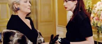 """Meryl Strepp als """"Miranda Priestley"""" und Anne Hathaway als """"Andi"""" in """"Der Teufel trägt Prada"""""""