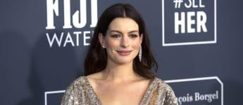 Anne Hathaway Critics Choice Awards 2020
