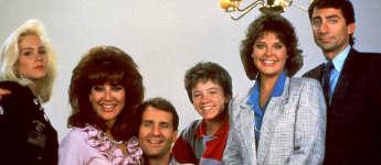 """Christina Applegate, Katey Sagal, Ed O'Neill, David Faustino, Amanda Bearse und David Garrison , Der """"Eine schrecklich nette Familie""""-Cast"""