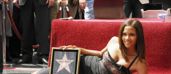 Halle Berry mit langen Haaren 2007