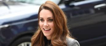 Herzogin Kate kam ohne die Queen und ohne Hut