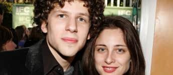 Jesse Eisenberg und Anna Strout haben ein gemeinsames Kind