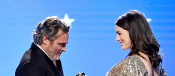 """Joaquin Phoenix bekommt den Critics' Choice Award in der Kategorie Bester Schauspieler für """"Joker"""""""