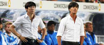 Südkorea-Trainer Shin Tae-Yong sieht Jogi Löw ziemlich ähnlich