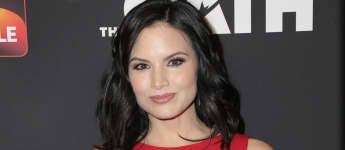 """Arrow""-Star Katrina Law kommt zum Hauptcast von ""Hawaii 5-0"""