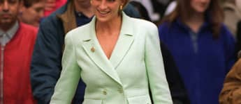Lady Diana Chanel Kostüm