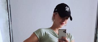 Lena Gercke hochschwanger im Mini-Kleid