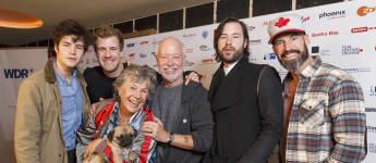 Luke Mockridge mit seinem Bruder Liam, seinen Eltern Margie und Bill sowie seinen Brüdern Nick und Matthew