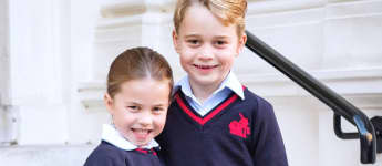 Prinzessin Charlotte mit Prinz George auf ihrem offiziellen Schulbild