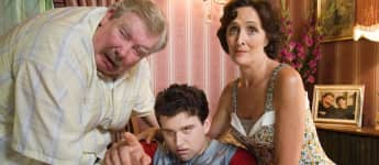 "Richard Griffiths, Harry Melling und Fiona Shaw in ""Harry Potter und der Orden des Phönix"", Dursley, Dudley"