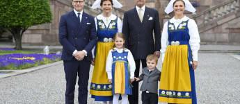 Schwedische Königsfamilie Tracht