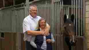 Carmen Hanken möchte den Hof ihres Mannes Tamme in Ehren halten und weiterführen