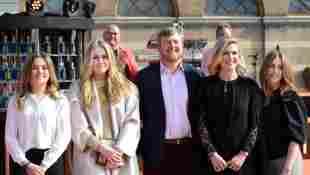 niederländische Königsfamilie: Prinzessin Ariane, Prinzessin Amalia, König Willem-Alexander, Königin Maxima und Prinzessin Alexia