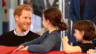 """Prinz Harry mit zwei Kindern beim """"fit and fed""""-Programm in London"""