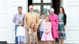 Dänische Königsfamilie: Königin Margarethe, Kronprinzessin Mary, Ehemann Frederik und ihre vier Kinder