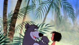 """Filmausschnitt aus """"Das große Dschungelbuch"""" mit Balu und Mogli"""