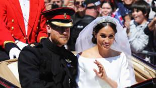 Meghan Markle und Prinz Harry bei der Kutschfahrt nach ihrer Trauung