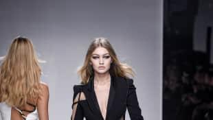 Gigi Hadid auf der Versace-Fashion-Show