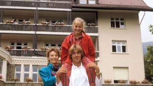 Ilona Grübel mit Angelika Reißner und Sascha Hehn